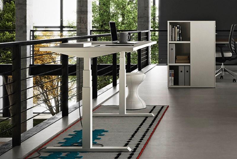 Scrivania Ufficio Su Misura : New entry: la scrivania elevabile in altezza news loft82 s.a.s.